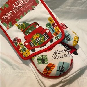 NWT 3 piece Christmas cooking set